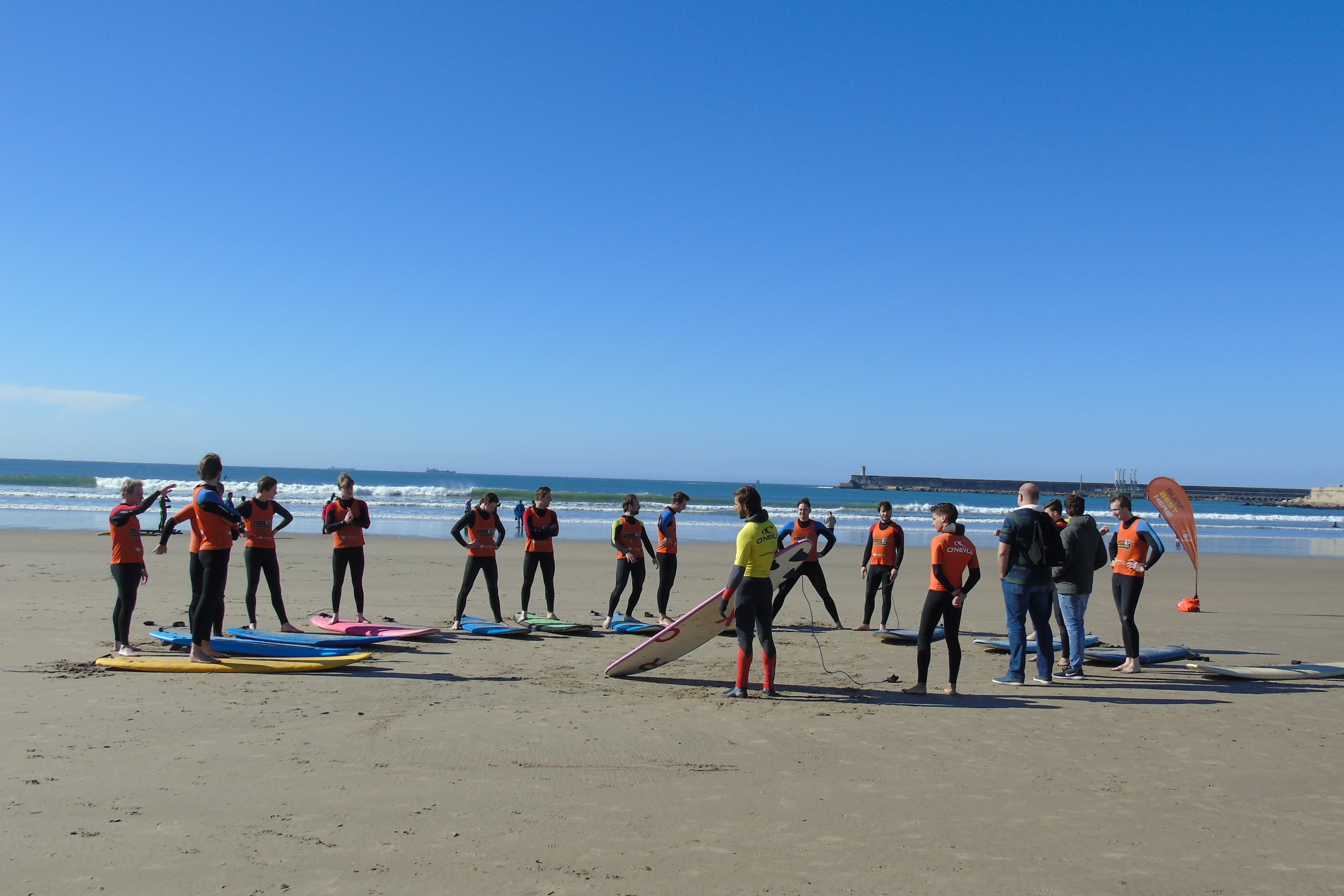 Surfaventura - Surf Team Building